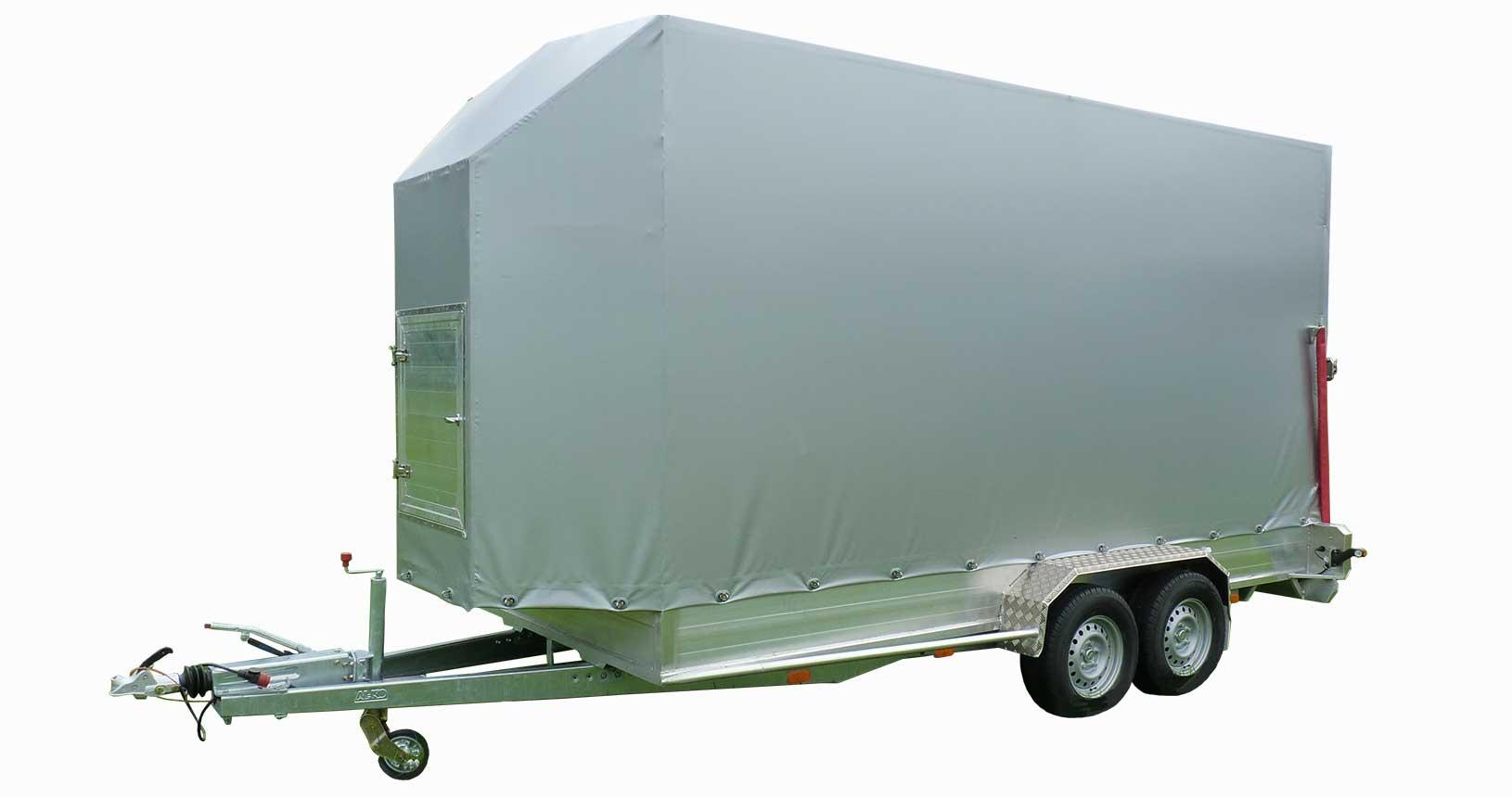 CC-Container Anhänger vorne windabweisend angeschrägt mit kleiner Tür