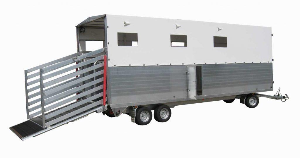 Drehschemelanhänger Vierachser Tiertransport Pferdeanhänger