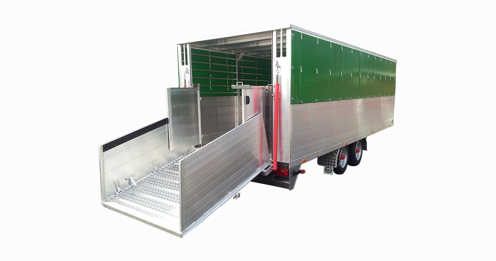 Schweinetransporter 8m lang mit Planendach
