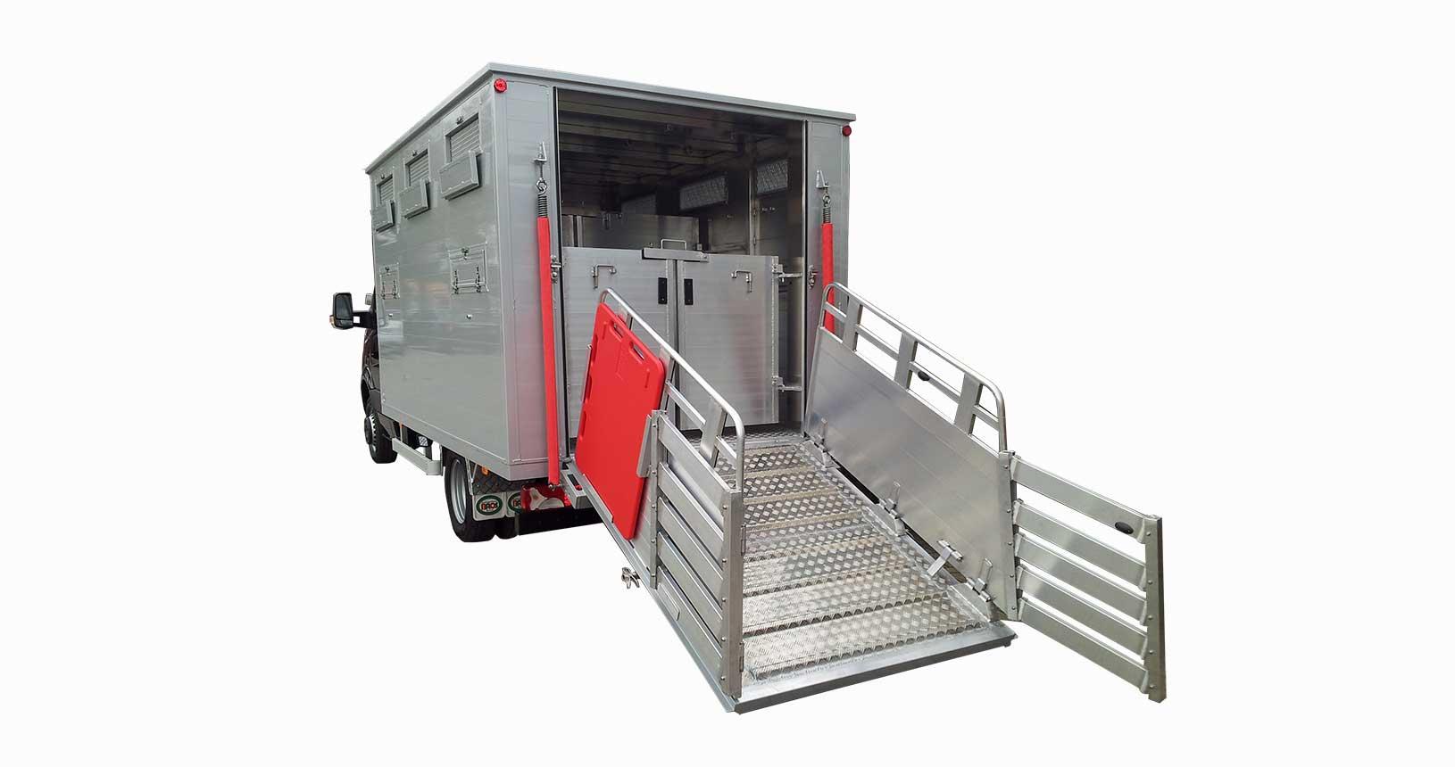 Viehtransporter LKW Aufbau klappbare Treibschotten